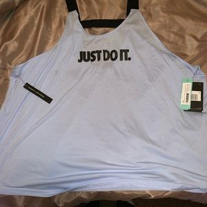 Nike workout shirt plus size